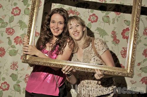 Blog de Madre y Madresfera posando en el photocall