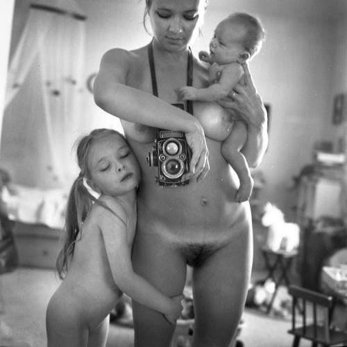La foto censurada por Facebook de la fotógrafa rusa Anastasia Chernyavsky